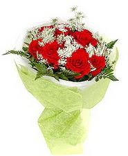 Hatay 14 şubat sevgililer günü çiçek  7 adet kirmizi gül buketi tanzimi