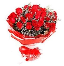 Hatay ucuz çiçek gönder  12 adet kırmızı güllerden görsel buket
