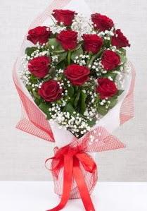 11 kırmızı gülden buket çiçeği  Hatay çiçek yolla