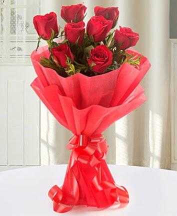 9 adet kırmızı gülden modern buket  Hatay internetten çiçek siparişi