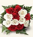 Hatay 14 şubat sevgililer günü çiçek  10 adet kirmizi beyaz güller - anneler günü için ideal seçimdir -