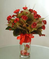 yapay güllerden vazo  9 gül  Hatay çiçek gönderme sitemiz güvenlidir