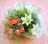 Hatay online çiçek gönderme sipariş  lilyum ve 7 adet gül buket