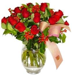Hatay çiçek online çiçek siparişi  11 adet kirmizi gül  cam aranjman halinde