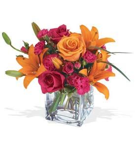 Hatay ucuz çiçek gönder  cam içerisinde kir çiçekleri demeti