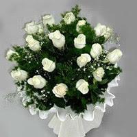 Hatay hediye sevgilime hediye çiçek  11 adet beyaz gül buketi ve bembeyaz amnbalaj