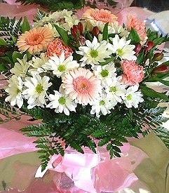 Hatay hediye sevgilime hediye çiçek  karma büyük ve gösterisli mevsim demeti