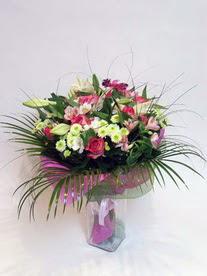 Hatay hediye sevgilime hediye çiçek  karisik mevsim buketi mevsime göre hazirlanir.