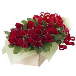 19 adet kirmizi gül buketi  Hatay çiçekçi mağazası