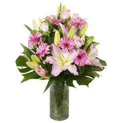 vazo içerisinde karisik mevsim çiçekleri  Hatay güvenli kaliteli hızlı çiçek
