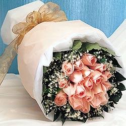 12 adet sonya gül buketi anneler günü için olabilir   Hatay internetten çiçek siparişi