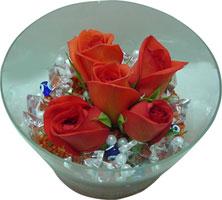 Hatay çiçek yolla  5 adet gül ve cam tanzimde çiçekler