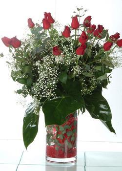 Hatay çiçekçi mağazası  11 adet kirmizi gül ve cam yada mika vazo tanzim