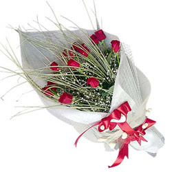 Hatay çiçek siparişi sitesi  11 adet kirmizi gül buket- Her gönderim için ideal