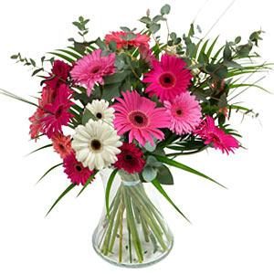 15 adet gerbera ve vazo çiçek tanzimi  Hatay online çiçekçi , çiçek siparişi