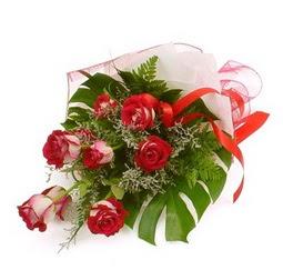 Çiçek gönder 9 adet kirmizi gül buketi  Hatay yurtiçi ve yurtdışı çiçek siparişi