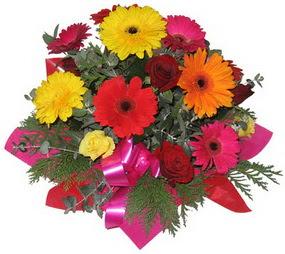 Karisik mevsim çiçeklerinden buket  Hatay çiçekçi telefonları