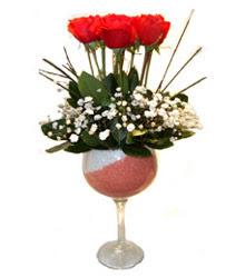Hatay kaliteli taze ve ucuz çiçekler  cam kadeh içinde 7 adet kirmizi gül çiçek