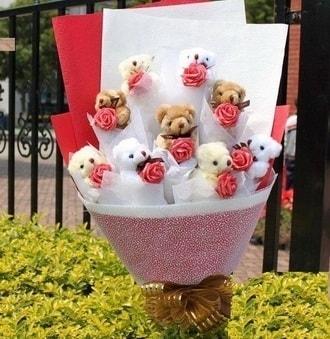 Hatay yurtiçi ve yurtdışı çiçek siparişi  9 adet ayicik ve 9 adet yapay gül