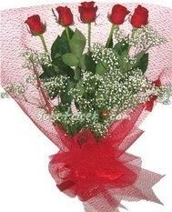 5 adet kirmizi gülden buket tanzimi  Hatay online çiçek gönderme sipariş
