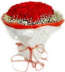 Hatay kaliteli taze ve ucuz çiçekler  41 adet kirmizi gül buketi