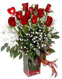 Hatay yurtiçi ve yurtdışı çiçek siparişi  9 adet mika yada cam vazoda gül tanzimi kalp çubuk