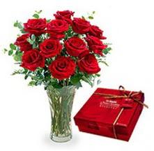 Hatay çiçek online çiçek siparişi  10 adet cam yada mika vazoda gül çikolata