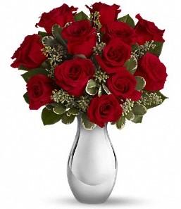 Hatay yurtiçi ve yurtdışı çiçek siparişi   vazo içerisinde 11 adet kırmızı gül tanzimi