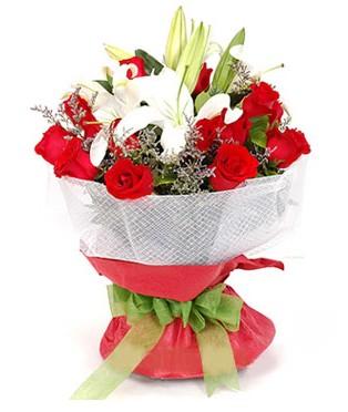 Hatay hediye sevgilime hediye çiçek  1 dal kazablanka 11 adet kırmızı gül buketi