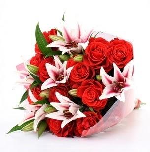 Hatay yurtiçi ve yurtdışı çiçek siparişi  3 dal kazablanka ve 11 adet kırmızı gül