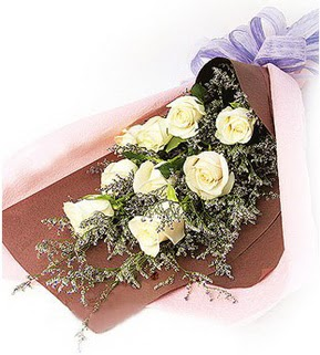 Hatay çiçek yolla , çiçek gönder , çiçekçi   9 adet beyaz gülden görsel buket çiçeği