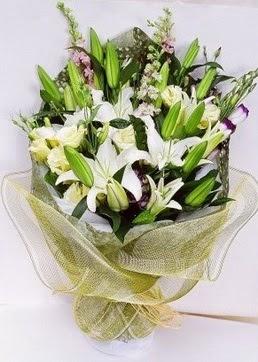Hatay çiçek , çiçekçi , çiçekçilik  3 adet kazablankalardan görsel buket çiçeği