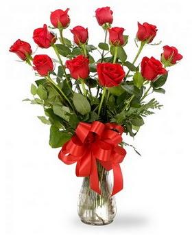 Hatay 14 şubat sevgililer günü çiçek  12 adet kırmızı güllerden vazo tanzimi
