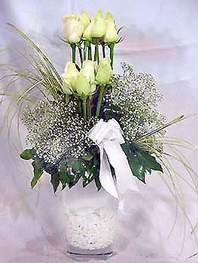Hatay online çiçekçi , çiçek siparişi  9 adet vazoda beyaz gül - sevdiklerinize çiçek seçimi