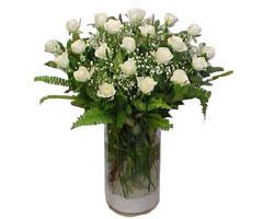 Hatay çiçek siparişi sitesi  cam yada mika Vazoda 12 adet beyaz gül - sevenler için ideal seçim