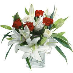 vazo içerisinde 4 gül 1 adet kazablanka  Hatay online çiçekçi , çiçek siparişi