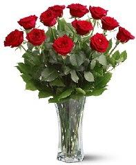 11 adet kırmızı gül vazoda  Hatay güvenli kaliteli hızlı çiçek