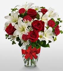 Eşsiz vazo tanzimi güller kazablankalar  Hatay online çiçekçi , çiçek siparişi