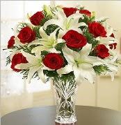 12 adet kırmızı gül 2 dal kazablanka vazosu  Hatay uluslararası çiçek gönderme