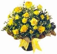 Hatay 14 şubat sevgililer günü çiçek  Sari gül karanfil ve kir çiçekleri