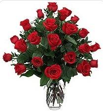 Hatay çiçek servisi , çiçekçi adresleri  24 adet kırmızı gülden vazo tanzimi