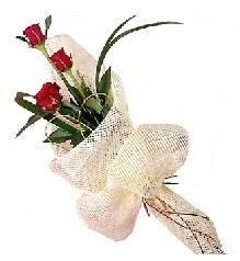 3 adet kırmızı gül buketi  Hatay çiçekçi mağazası