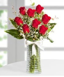 7 Adet vazoda kırmızı gül sevgiliye özel  Hatay çiçek servisi , çiçekçi adresleri
