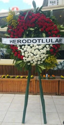 Cenaze çelengi cenazeye çiçek modeli  Hatay uluslararası çiçek gönderme