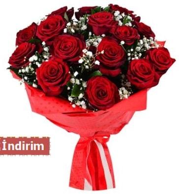12 Adet kırmızı aşk gülleri  Hatay uluslararası çiçek gönderme