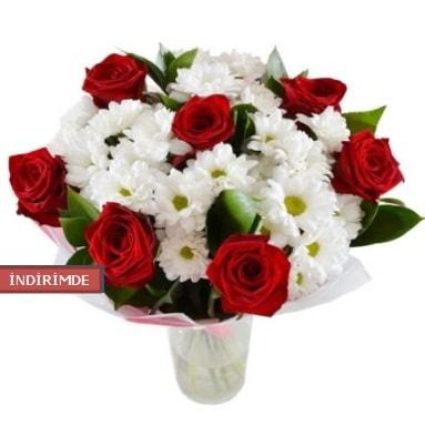 7 kırmızı gül ve 1 demet krizantem  Hatay çiçek siparişi vermek
